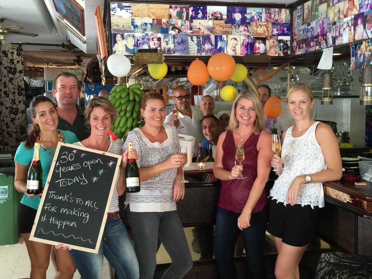 Marina bar puerto de mogan celebrates 30th anniversary - Marina apartments puerto de mogan ...